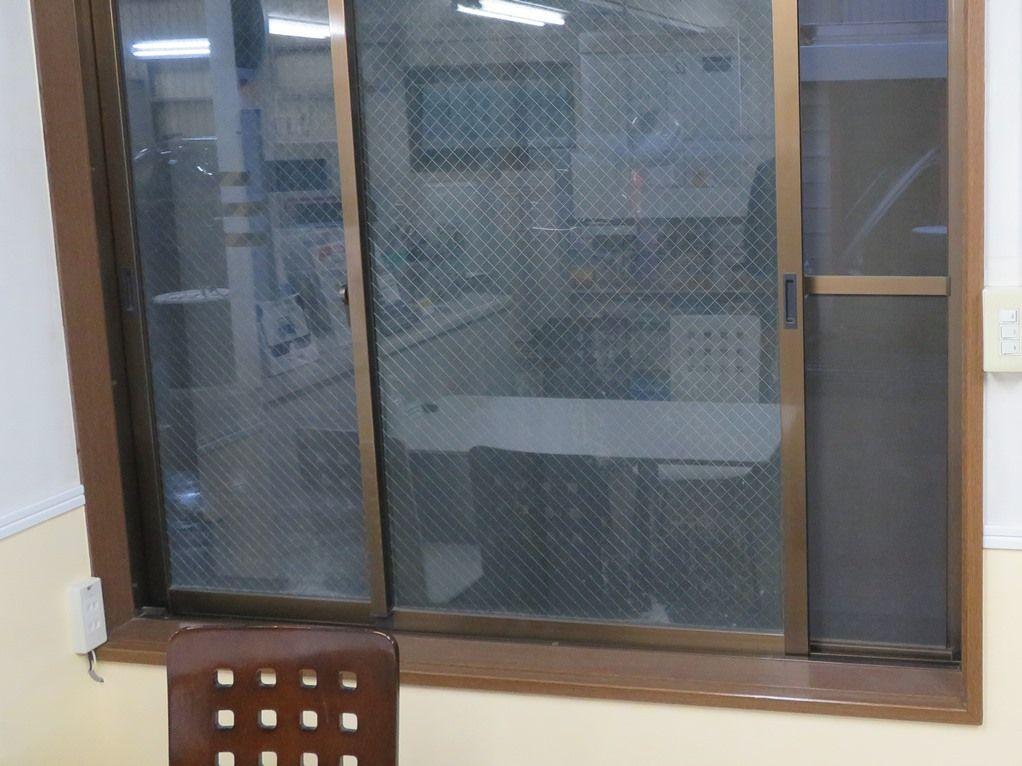 ボディショップ早川では室内の換気を行っております