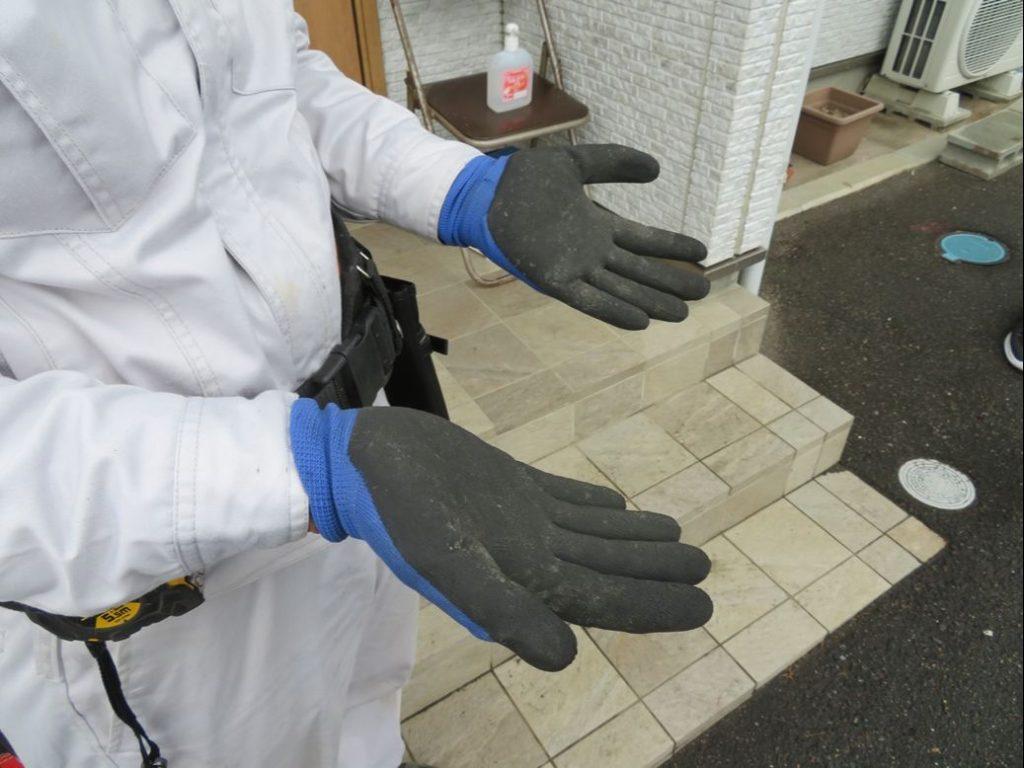 矢吹木工建設では保護手袋を確実に着用しています